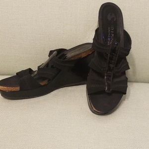 Donald J Pilner black platform wedges